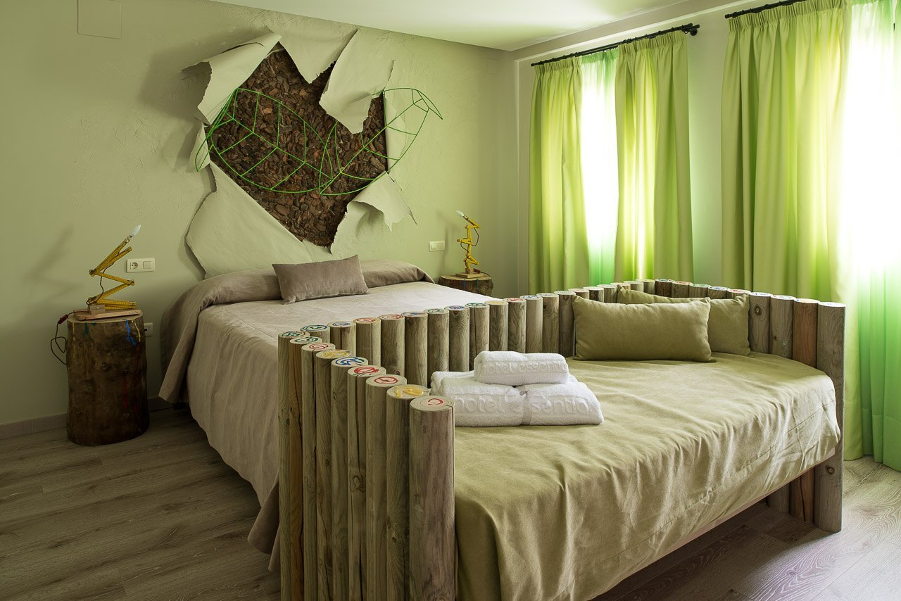 Hotel Essentia - Green Bedroom