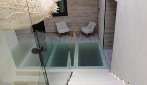 ESSENTIA :Hotel-Restaurant-Gallery