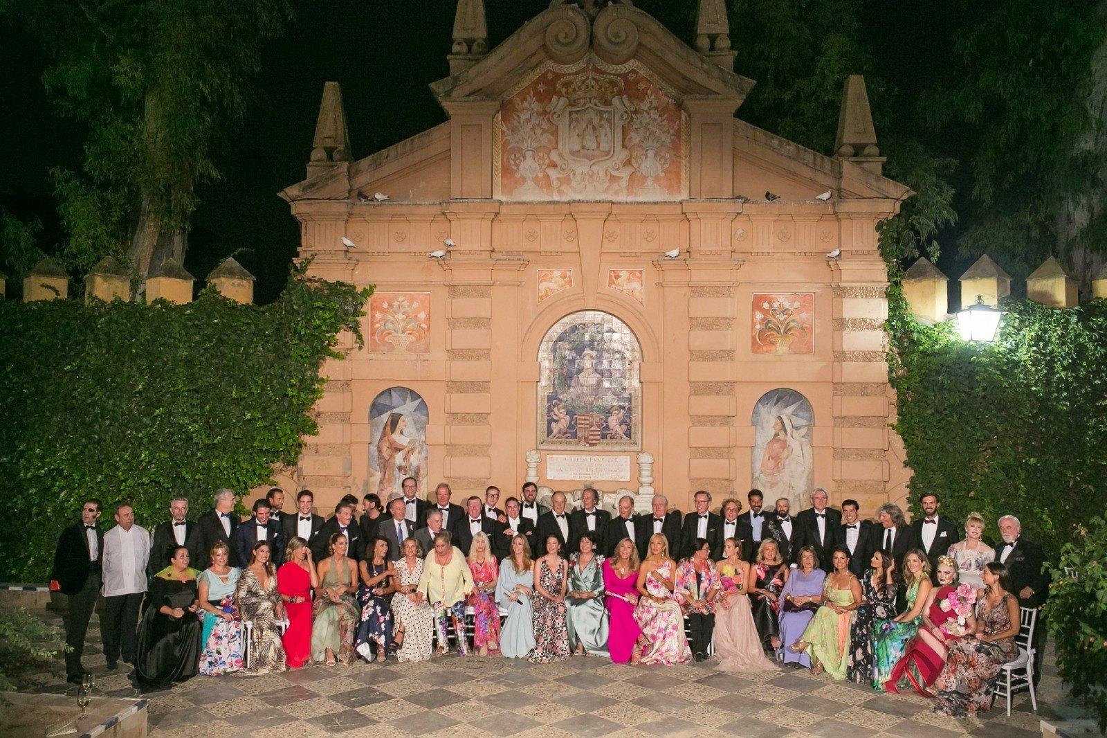 (Español) Mercedes Eirín diseña el galardón de los XII Premios Escaparate